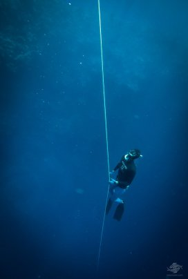 Adam De La Mare free-diving at blue hole dahab