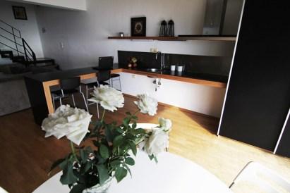 Η κουζίνα στον 1ο όροφο