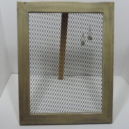 Earring holder for wall