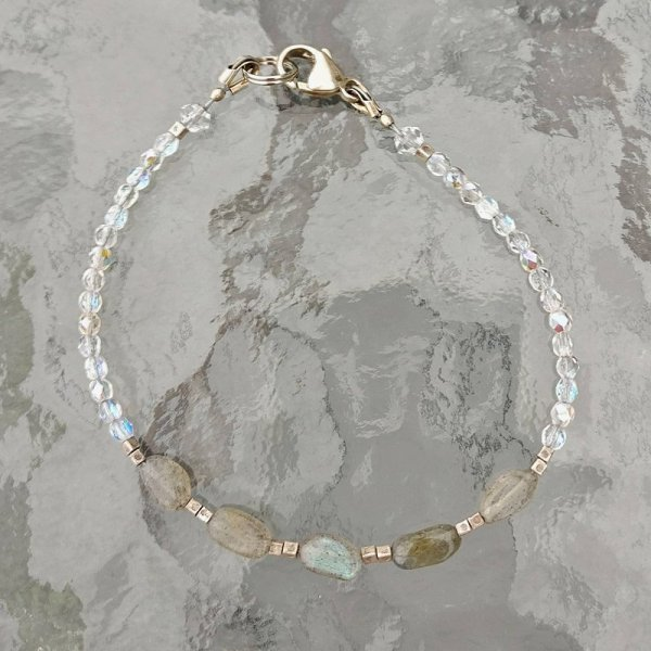 Labradorite and czech glass bracelet
