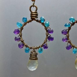 Copper earrings with Apatite and Amethyst