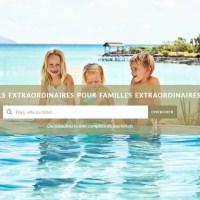 Trois enfants joyeux au bord d'une piscine