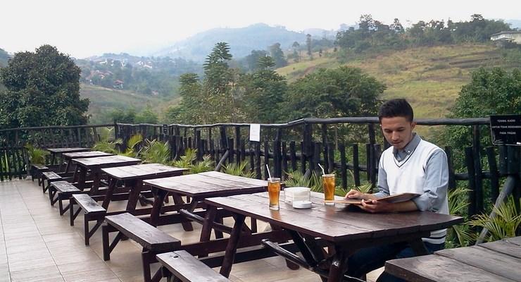 Restpran Outdoor di Bandung
