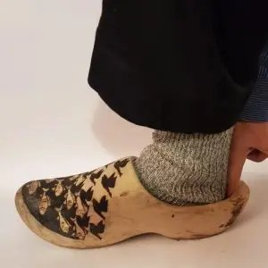 how to fit a wooden shoe