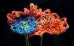 Virkade blommor på skaft