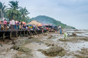 Local crab market in Kep