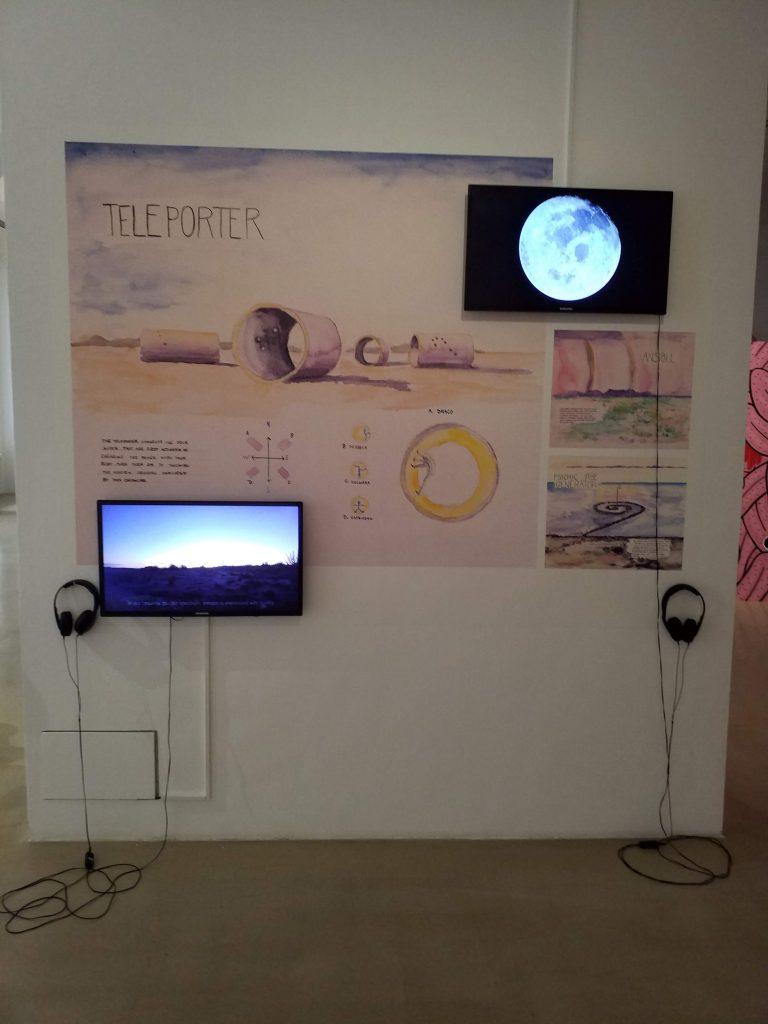 Installation mit Video von Gillian Dymeman (CA)