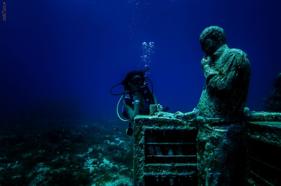 Cancun Underwater Museum of Art - First Padi Lesson for America