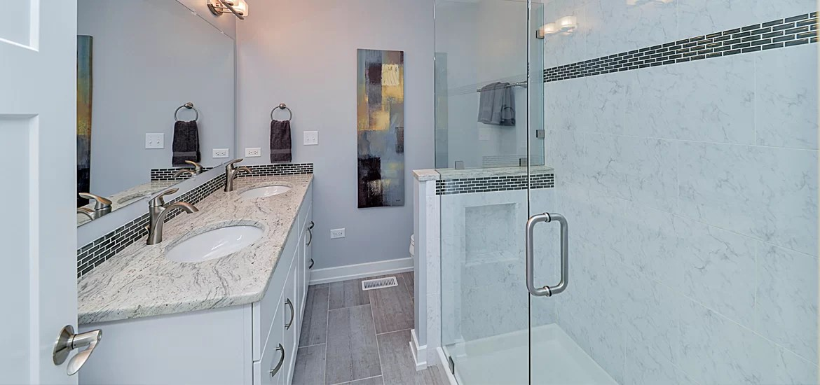 Bathroom Remodeling Ideas to Make the Most of Small Spaces ... on Small:tyud1Zhh6Eq= Bathroom Remodel Ideas  id=51742