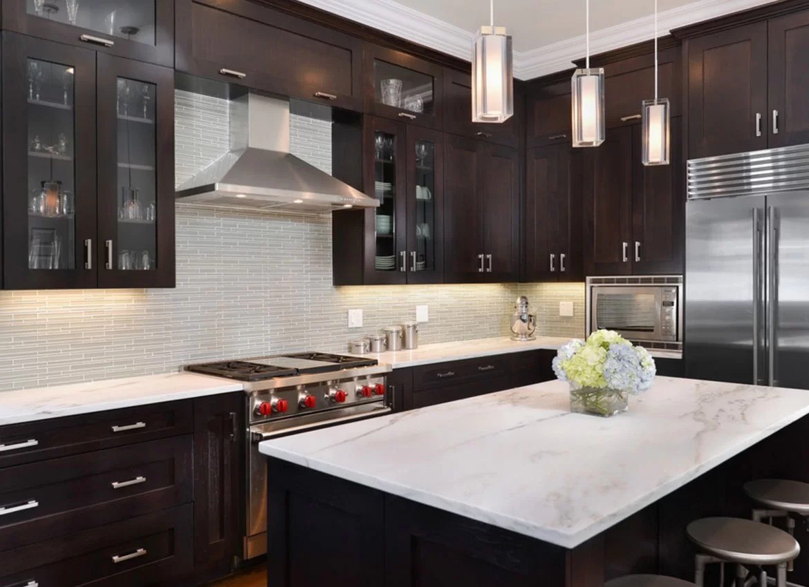 30 Classy Projects With Dark Kitchen Cabinets   Home ... on Backsplash Ideas For Dark Cabinets  id=30857