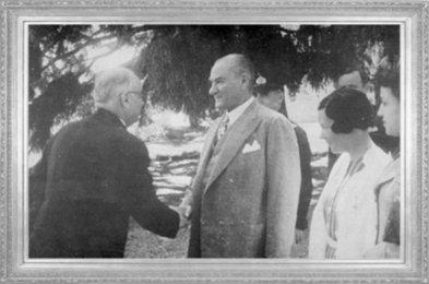 Mustafa Kemal ATATÜRK, Başbakan Celal Bayar ve Sabiha Gökçen ile (1938)