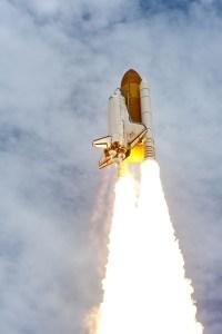 space-shuttle-atlantis-600502_1920 Mission