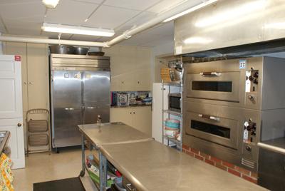 DSC01686-sm-big-kitchen
