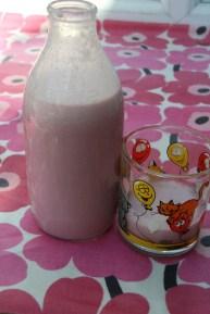 homemade strawberry milk