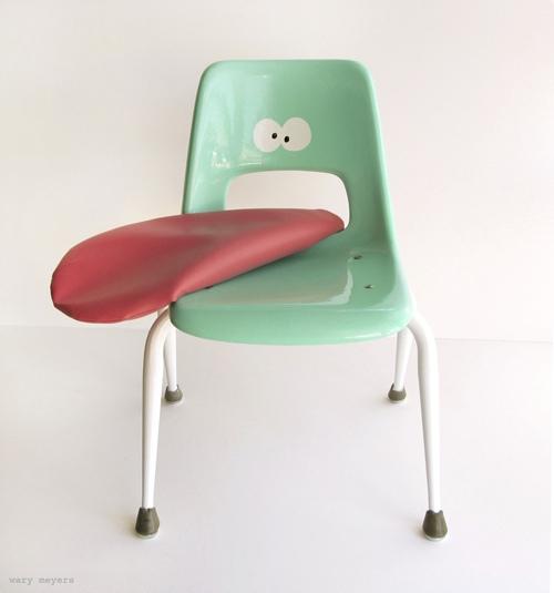 странни мебели