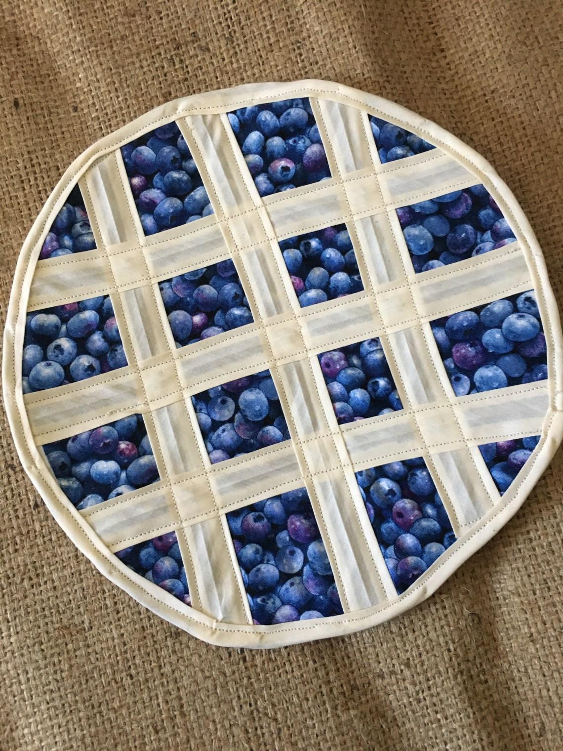 Blueberry pie shaped hot mat