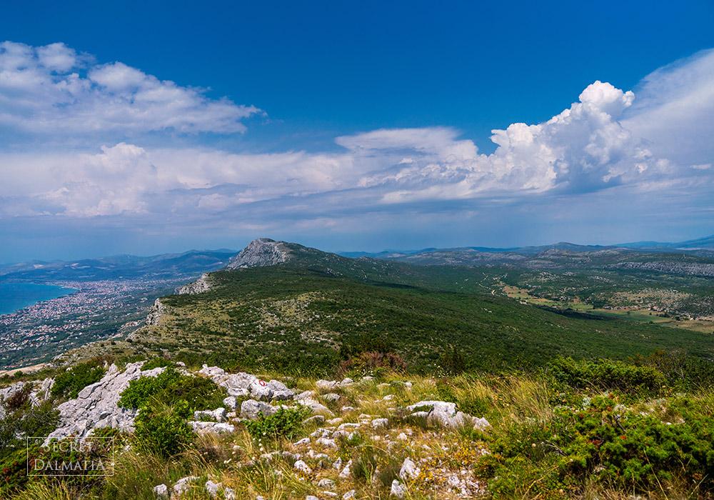 Hiking the Kozjak mountain overlooking Split and Kastela