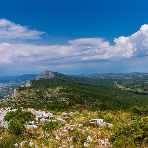 Hiking the Kozjak mountain overlooking Split and Kastela