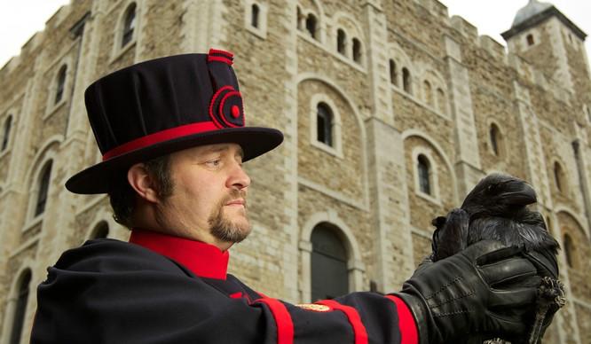 ravenmaster-tower-of-london-weirdest-coolest-jobs