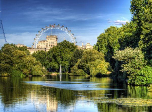 st-james-park-london-central-lake