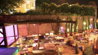 blind-beggar-beer-garden-whitechapel-east-london