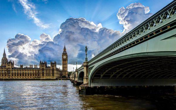 the-thames-river-london