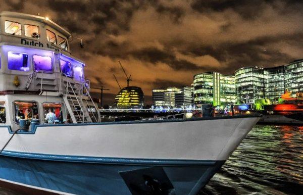 Boat-party-halloween-london