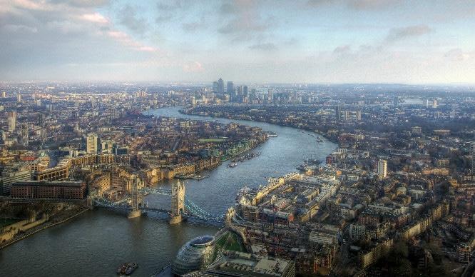 london-things-happen-move