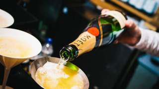 bottomless-champagne-bodos-schloss-london