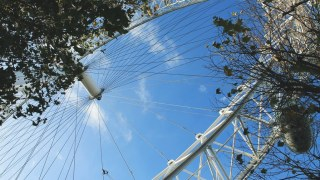london-eye-from-below