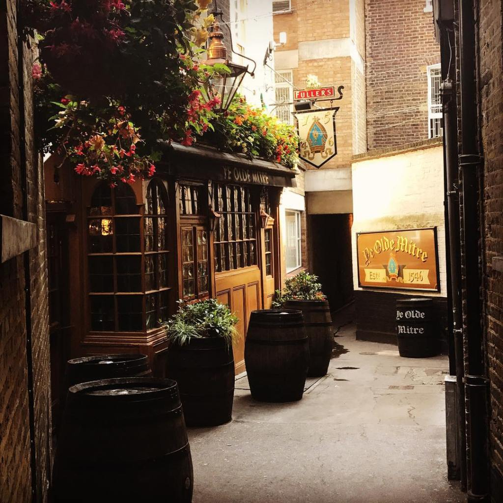 Oldest pubs in London - Ye Olde Mitre, Covent Garden