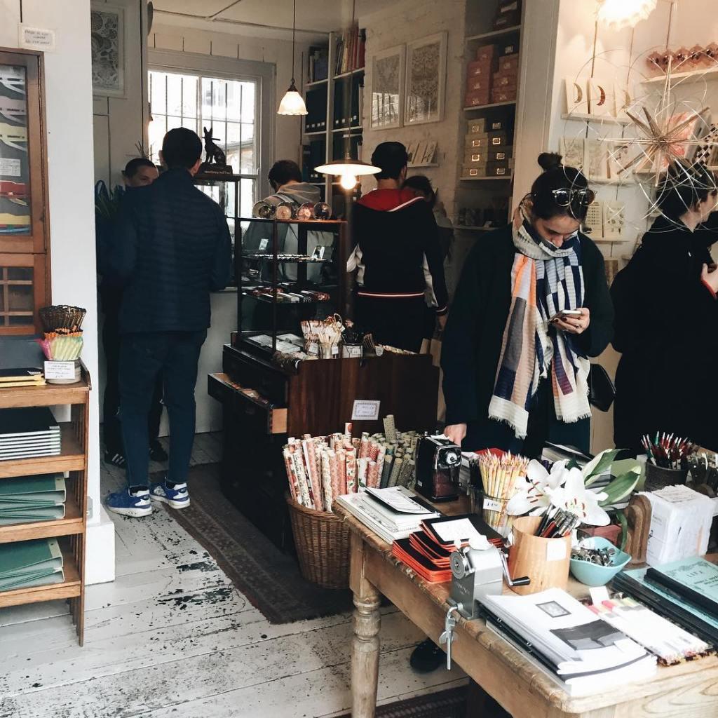 London Stationery Shops Choosing Keeping