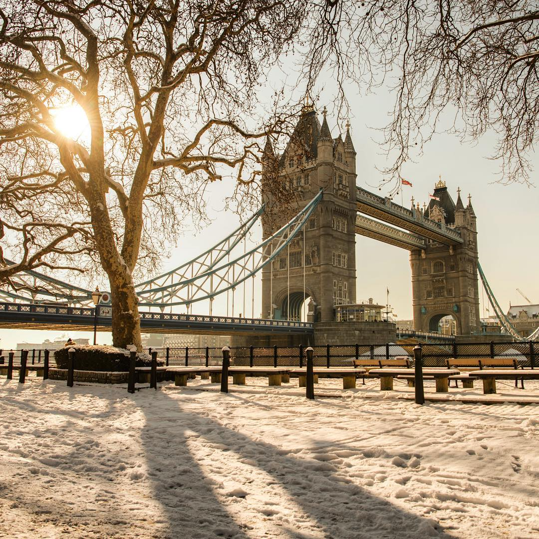 snow-london-tower-bridge