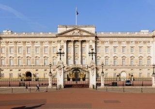 buckingham-palace-front