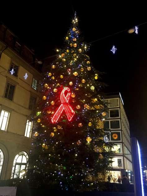 Christmas tree by Red Cross - Weekend in Geneva