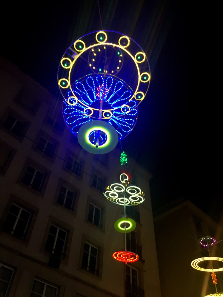 Detailed chrismas lighting - Winter in Geneva