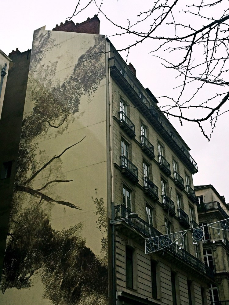 Street art on building facade, Nantes