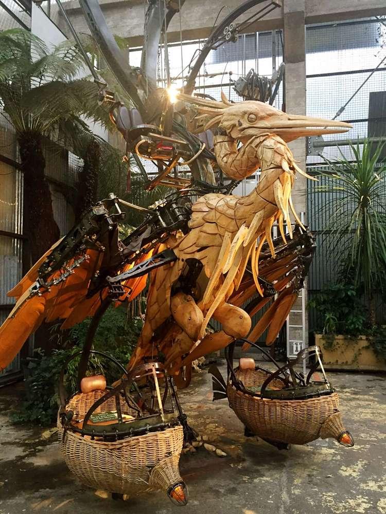 Bird sculpture at Machines de l'Ile