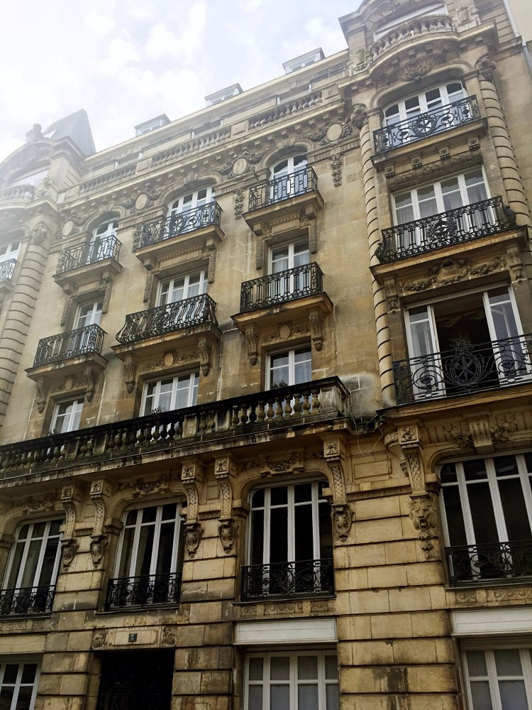 Building in Nantes - photo diary