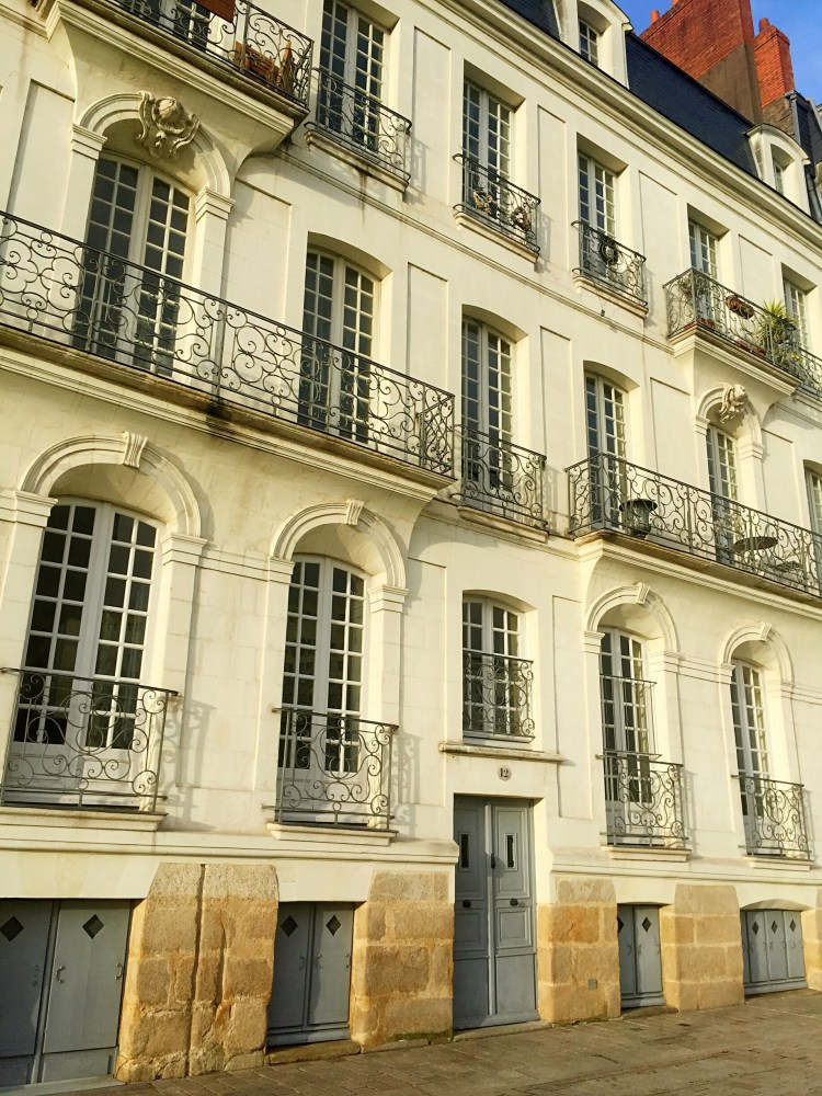 Leaning building in Ile Feydeau, Nantes