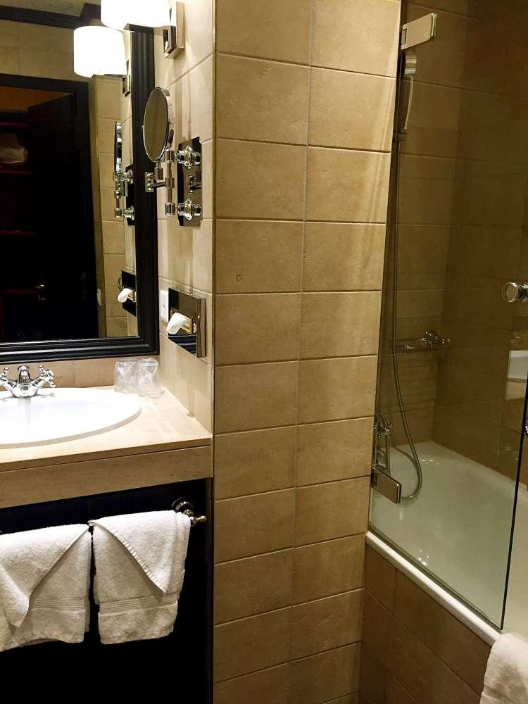 Bathroom - Hotel Rotary Geneva