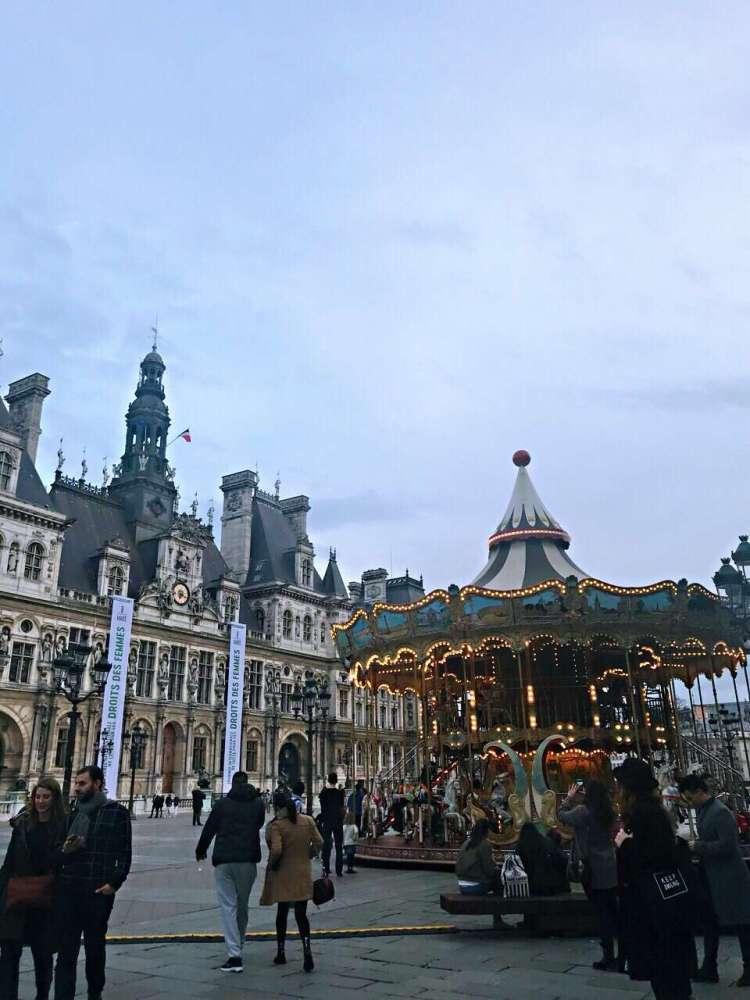 Hotel de Ville - Walking tour in Le Marais