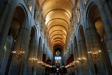 Inside the Basilica Saint-Sernin - How to spend 24 hours in Toulouse