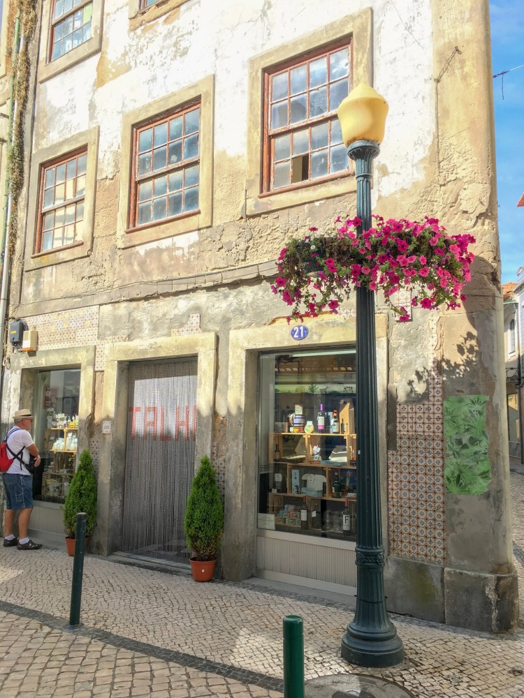Interesting shop facade - Things to do in Aveiro