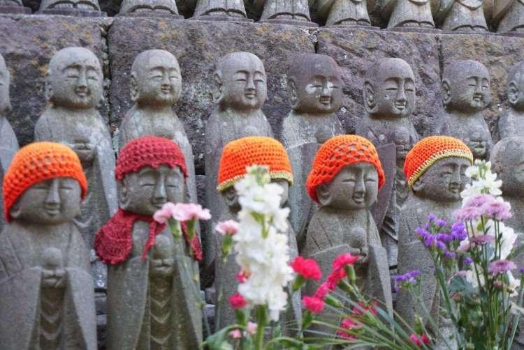 Small Jizo statues - Kamakura day trip