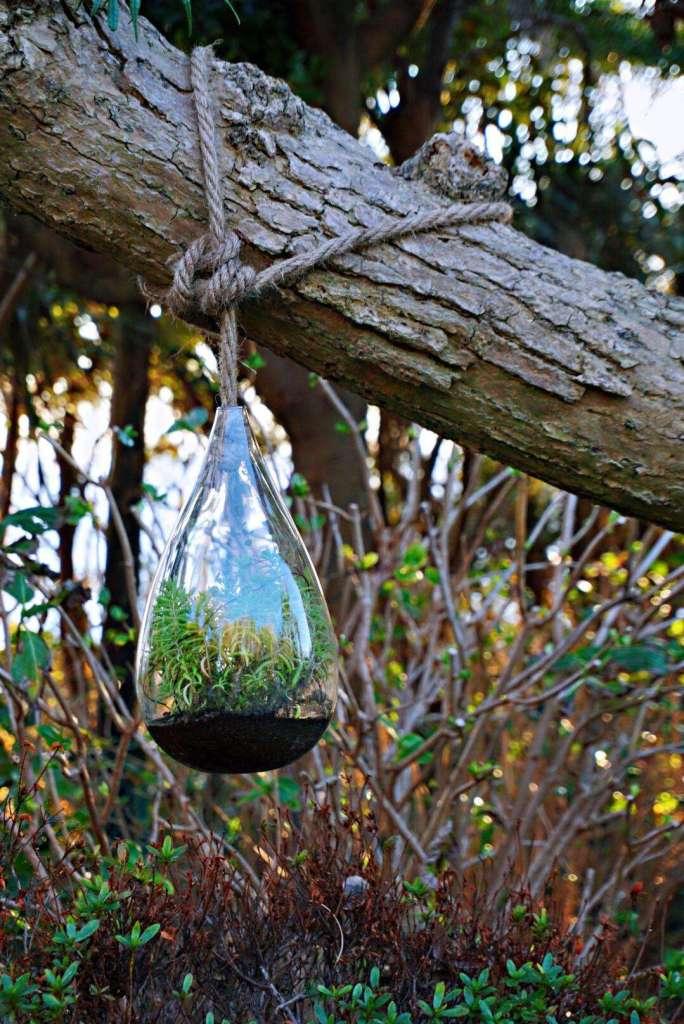 Plant vase in Samuel Cocking Garden - Enoshima day trip