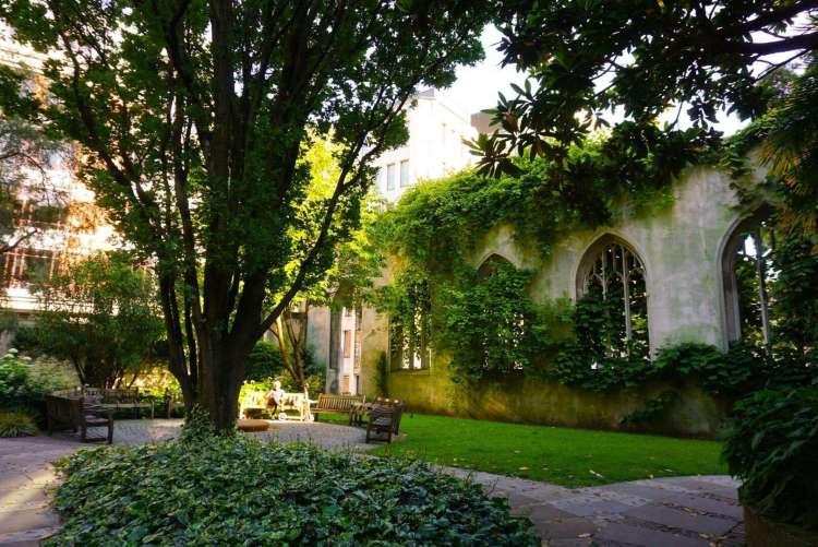 Things to do in London Bridge - visit Church of Saint Dunstan