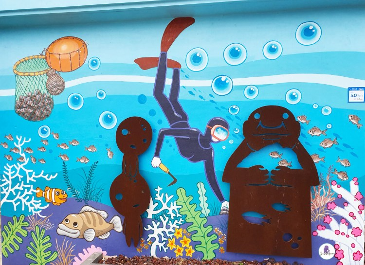 Jeju itinerary: Mural of Hanyeo - Jeju's women divers