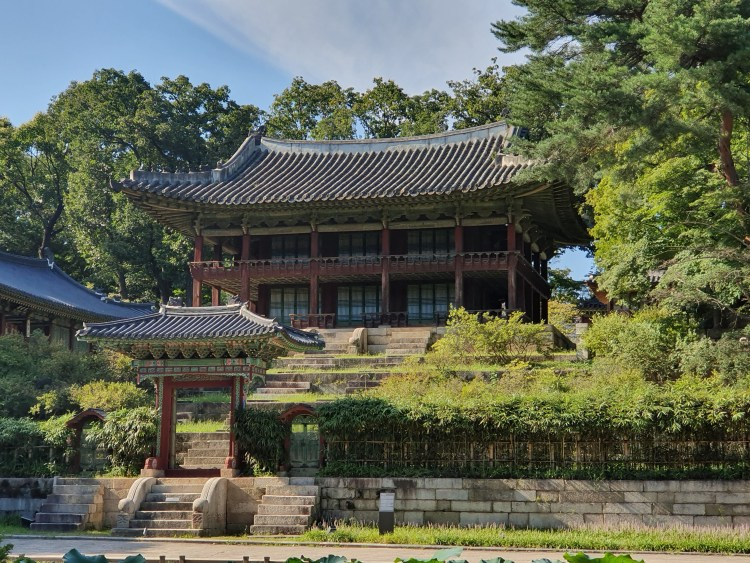 Juhamnu Pavilion.Palace and its Secret Garden is one of the most well-preserved royal palaces from the Joseon Dynasty. The UNESCO World Heritage Site is a heaven of peace in buzzing Seoul.