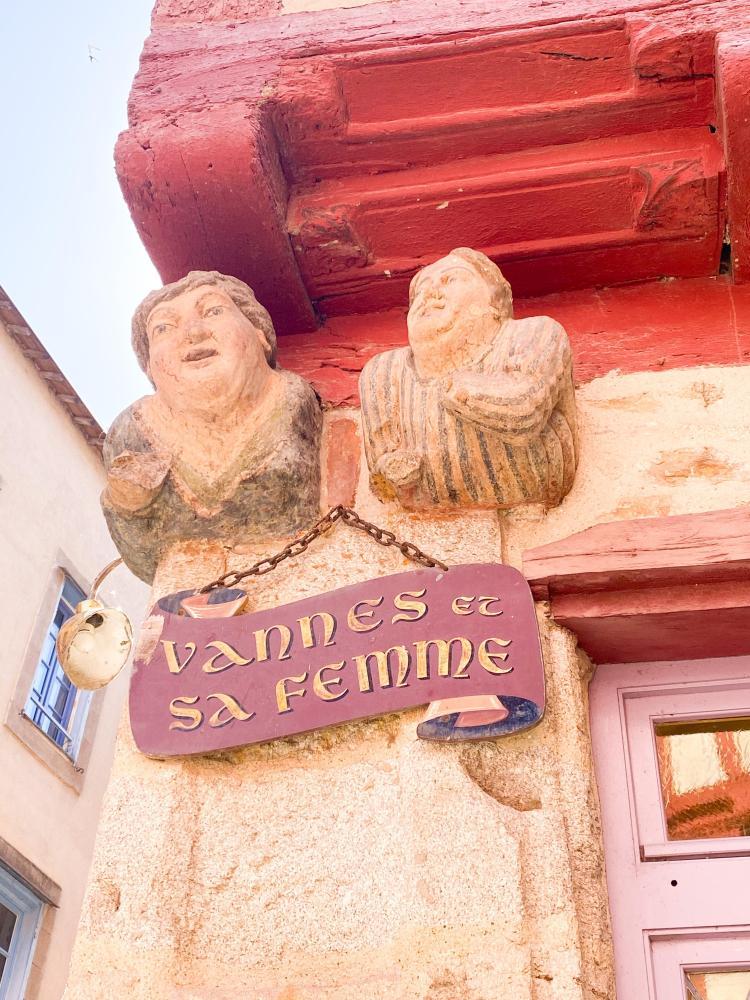 Vannes et sa femme - Vannes, Brittany France